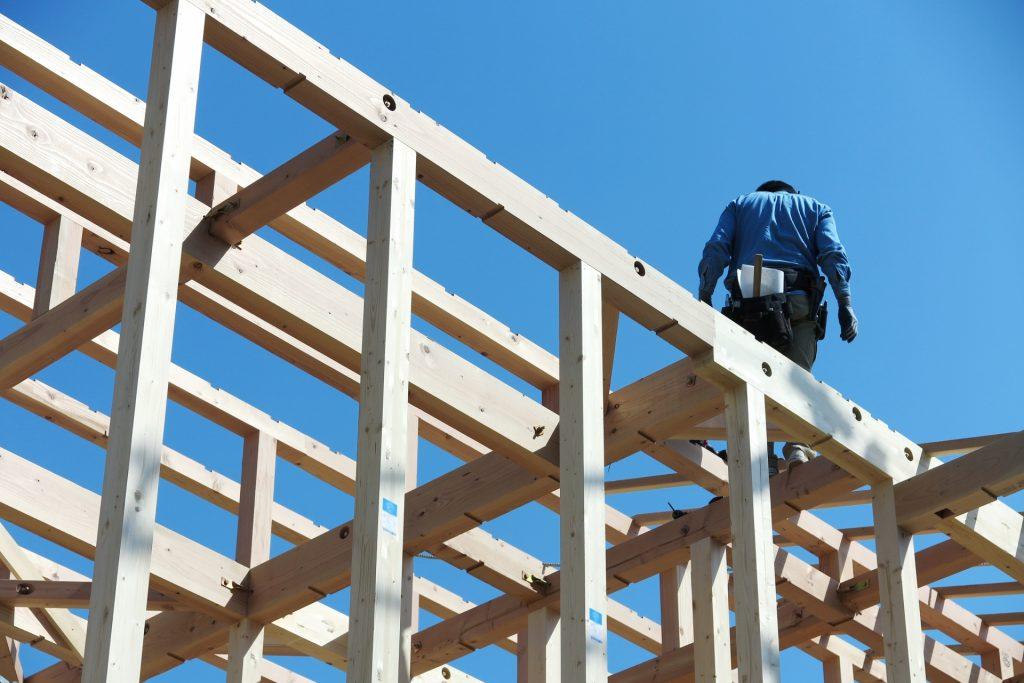 建設業界は職人不足